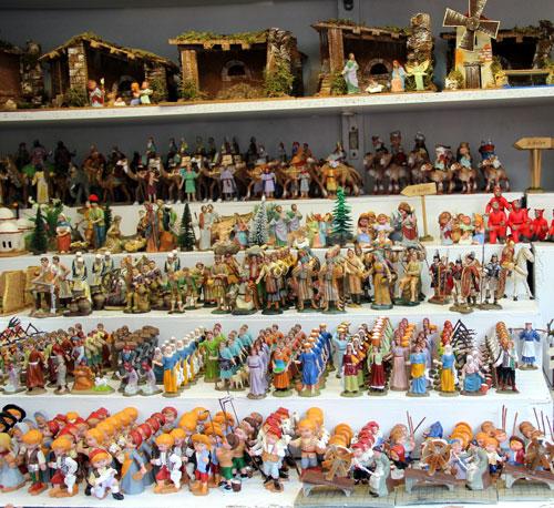 Fotos De Belenes Pequenos.Fira De Santa Llucia Barcelona To See